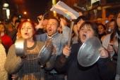 Argentina's Economic Collapse: Social Genocide [Memoria del saqueo] (2004)