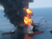 60 Minutes: BP disaster - Deepwater Horizon's Blowout (2010)