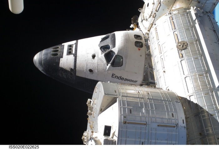STS-127 Endeavour docked to the space station. Credit: NASA