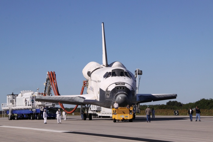 Space Shuttle Atlantis (STS-129) as the orbiter is towed from the Shuttle Landing Facility to Orbiter Processing Facility-1 (OPF-1), November 27, 2009 NASA John F. Kennedy Space Center, State of Florida, USA