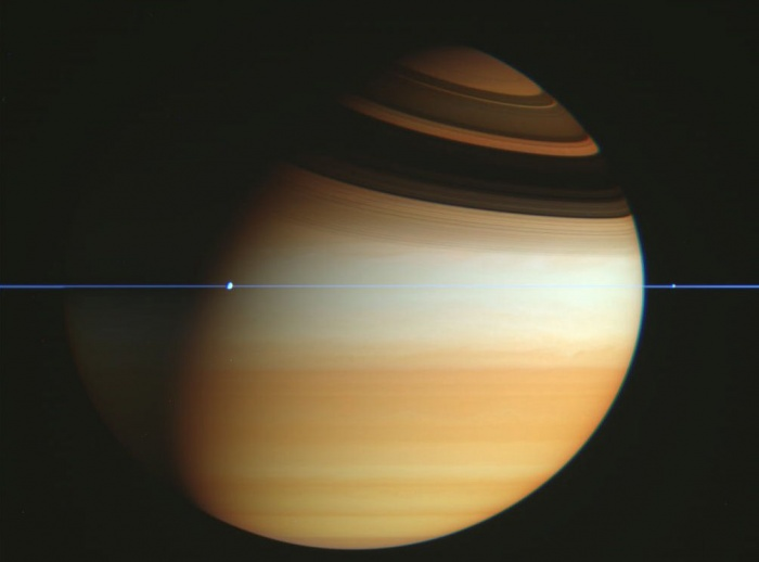 Cassini Spacecraft Crosses Saturn's Ring Plane Credit: Cassini Imaging Team, ISS, JPL, ESA, NASA Astronomy Picture of the Day - 2010 February 15  Explanation: If this is Saturn, where are the rings? When Saturn's