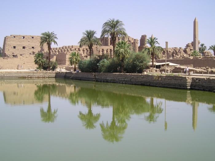 Source: http://sarabic.nomadlife.org/KarnakTemple.jpg