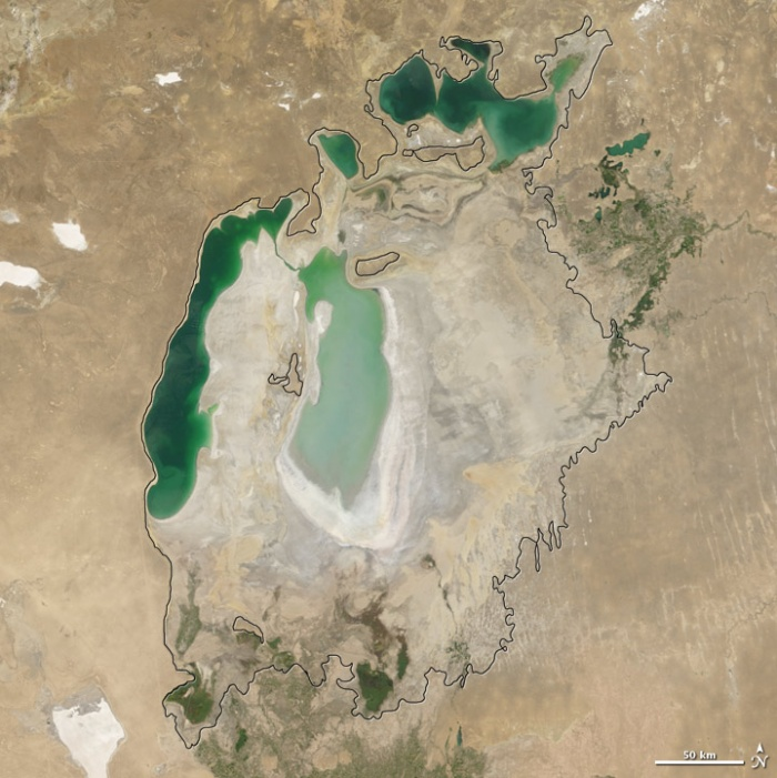 Aral sea in 2007 as seen by images from the Moderate Resolution Imaging Spectroradiometer (MODIS) on NASA's Terra satellite. Especially large retreats in the eastern lobe of the Southern Sea appear to alos have occurred between 2007 and 2008. Photo and words: NASA