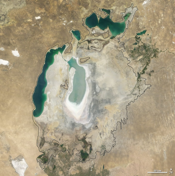 Aral sea in 2008 as seen by images from the Moderate Resolution Imaging Spectroradiometer (MODIS) on NASA's Terra satellite. Especially large retreats in the eastern lobe of the Southern Sea appear to alos have occurred between 2007 and 2008. Photo and words: NASA