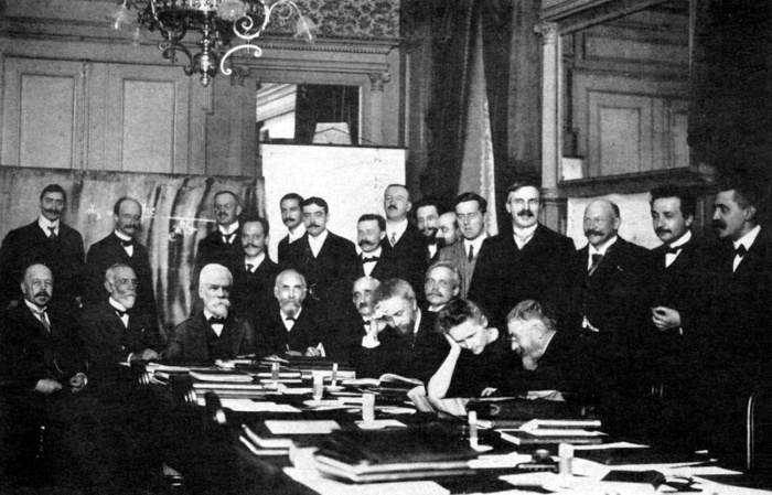 1911 First Solvay Conference on Physics