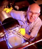 Ray Davis working on the solar neutrino experiment  (1999)