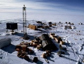 AMANDA:  South Pole telescope for observing neutrinos as they pass through the Earth