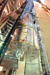 Hubble Gets Transferred to Discovery's Cargo Bay