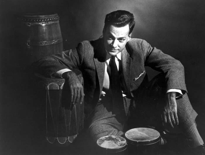 Feynman with Bongo Drums (1956)   Source: http://www.ysfine.com/feynman/fphoto.html