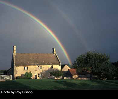 Rainbow over Isaac Newton's birthplace in Woolsthorpe Manor, England.  Source: http://photos.aip.org/images/page1/newton_isaac_h1.jpg
